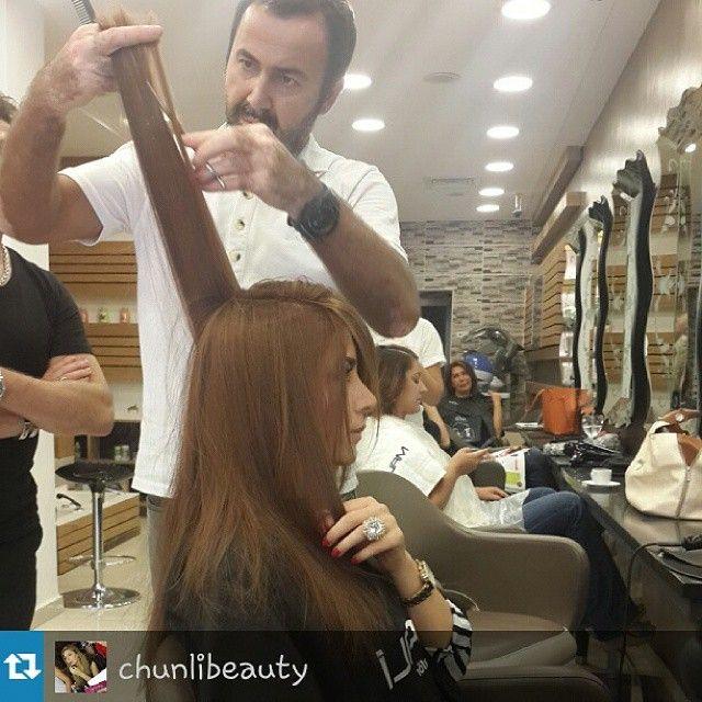 #Repost from @chunlibeauty with @repostapp — Her bir saç telini ayrı ayrı kesen kuaför de varmış @malikuafor de saç baş değişimi saçlarım bu sefer bir ton daha koyultuldu @davinesturkiye ile #flamboyage yapılacak birazdan