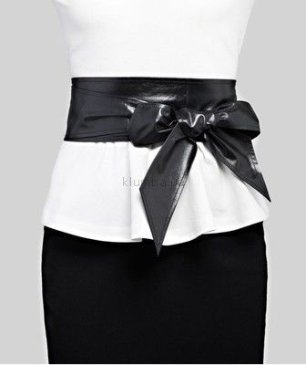 Широкий пояс кушак из искусственной кожи. Кожа мягкая, приятная на ощупь. Кушак будет прекрасным дополнением для любой одежды: платья, блузы, свитера, пальто, куртки или шубы. Ширина: 10 см Длина:...