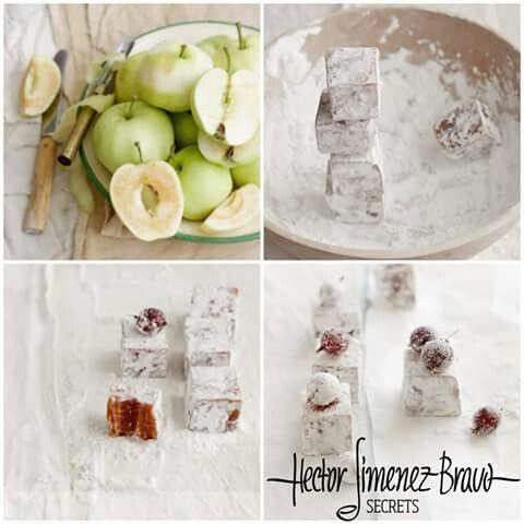 Яблочные конфеты Рахат-Лукум. Ингредиенты: · 75 грамм сливочного масла · 20 средних яблок, очищенных и тонко нарезанных · палочка корицы · 1/5 стакана воды · 1 стакан коричневого сахара · 1 стакан обычного сахара · Сахарная пудра для украшения Способ приготовления: 1. Растопите сливочное масло на среднем огне; 2. Когда оно слегка потемнело, добавьте палочку корицы и яблоки; 3. Готовьте 10-15 минут, постоянно помешивая; 4. Добавьте воду и продолжайте готовить, помешивая 15 минут; 5. Добавьте…