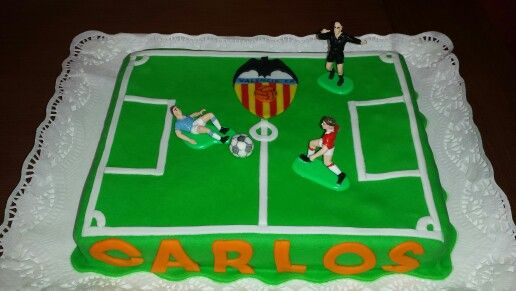 Pequeño campo de futbol, para el cumple de un Valencianista!
