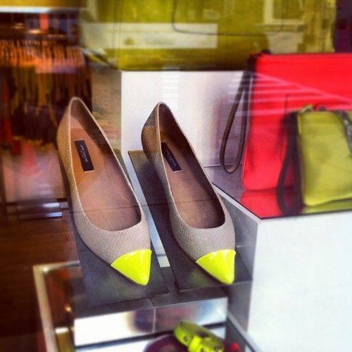 ann taylor. neon flats.: Shoes Crushes, Points Flats, When Flats, Taylors Flats, Anne Taylors, Cap Increase, Colors Blocks, Neon Flats, Neon Cap