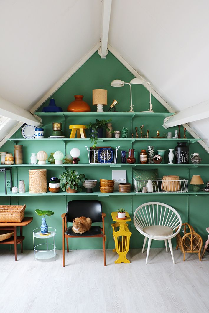 MY ATTIC / Flexa / attic makeover / green / groen / zolder / vintage / wall system Photography: Marij Hessel www.entermyattic.com