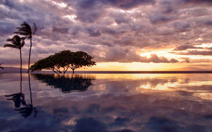 Maui Hawaii Wailea Marriott infinity pool at sunset.