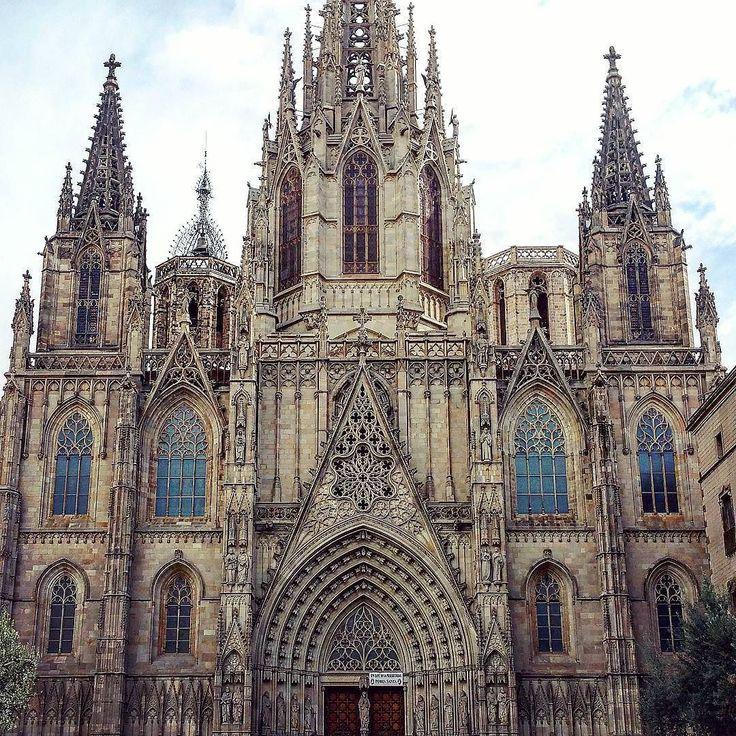 #바르셀로나 #스페인 #빌딩 #예쁜 #멋있어요 #하늘 #도시 #비가오네 #구경 #고향 #여행 #관광 #barcelona #spain #street #cathedral #gothic #beautiful #sky #clouds #building #city #amazing #hometown #tourist #tourism #visit by mila_marta
