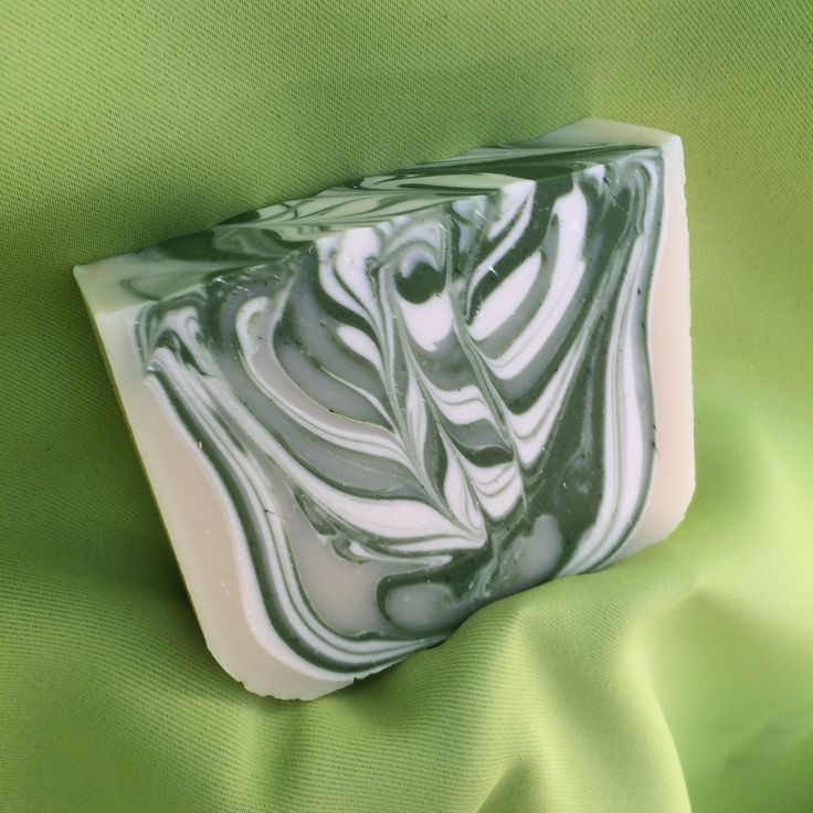 Twisted Peppermint http://www.corksandbubbles.ca/shop-online.html#!/Twisted-Peppermint/p/55002336/category=0