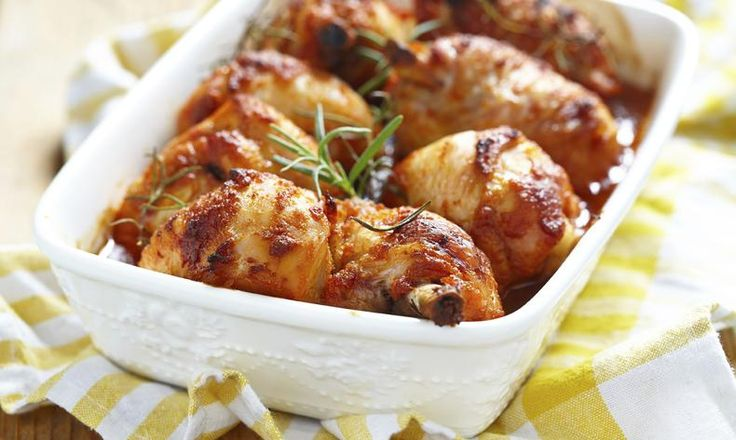 Pečená kuřecí stehna s medovo-česnekovou omáčkou