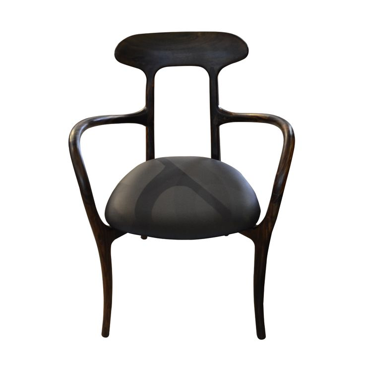 The dining chair Farid effortlessly reflects unique design. Pair it with any simple dining table for more beautiful look.