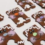 Recycled Bread Tag Snowmen | Crafts by Amanda