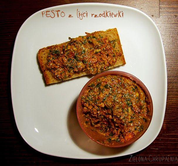 pesto http://zielona-chrupalnia.blogspot.com/2014/03/wege-recycling-pesto-z-lisci-rzodkiewki.html