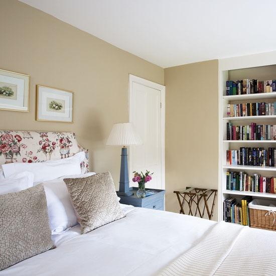 organized bedroom #built in bookshelf