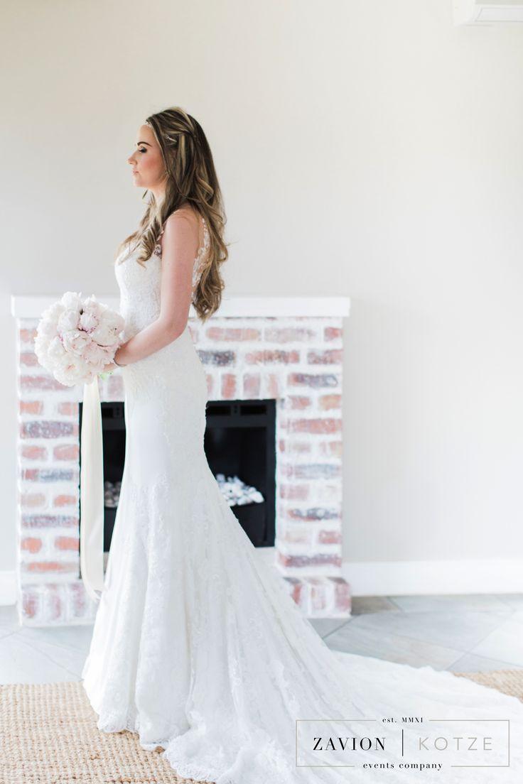 Vineyard wedding, peony bouquet, bride bouquet, brides bouquet garden styled wedding, white bouquet, white peony's whit peonies
