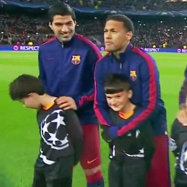 """everythingaboutneymar: """" Neymar keeping this child warm before the game against AS Roma """""""