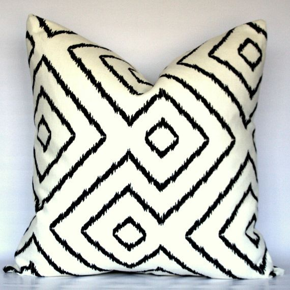 Black And White Geometric Diamond Maze   Decorative Linen Pillow Cover    CHOOSE YOUR SIZE