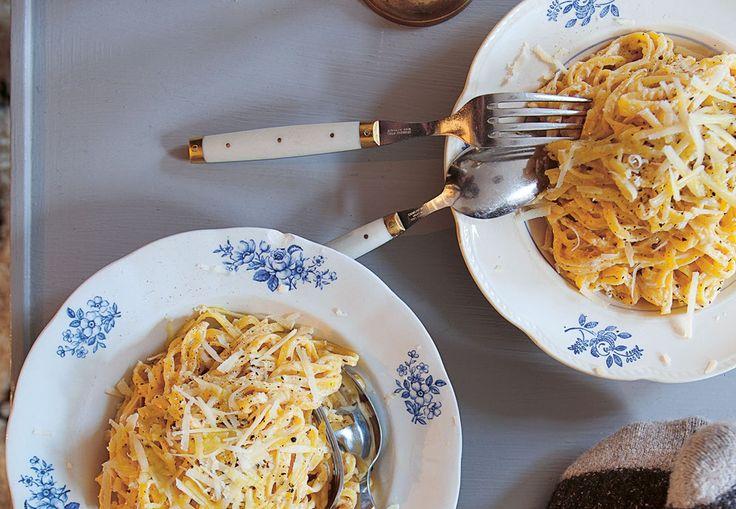 Oppskrift på Pasta Alfredo. Vegetarisk pastarett