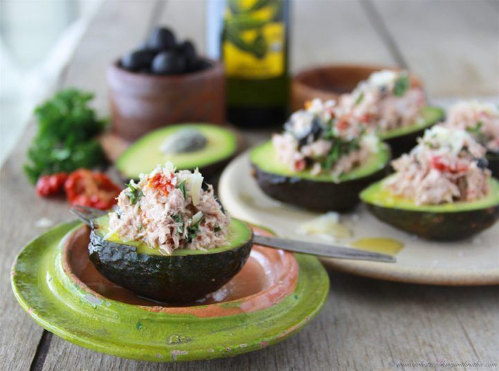 Sun-dried Tomato and Olive Tuna Salad in Avocado is a filling and healthy lunch idea! Sun-dried Tomato and Olive Tuna Salad in Avocado is one of my favorite ways to enjoy tuna fish. It's a lighten up version with just a little bit of olive oil mayonnaise for moisture. . . it could honestly be …