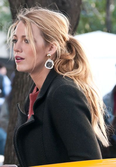 How to Master the Messy Ponytail