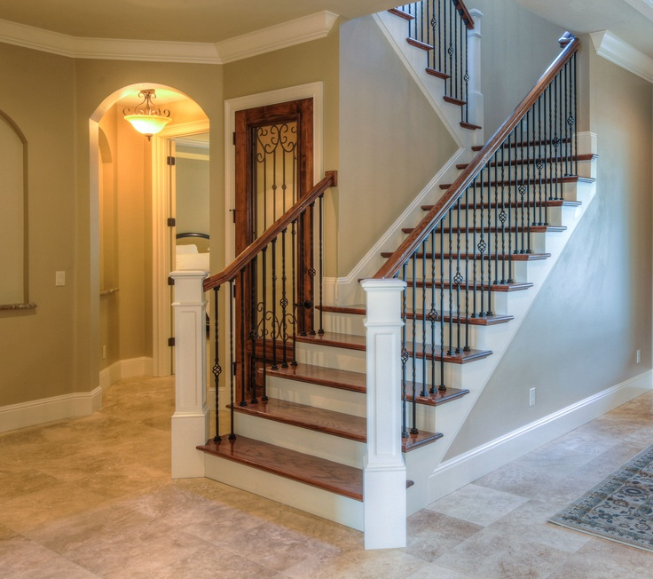 Open Foyer Loft : The most prominent feature of open foyer is