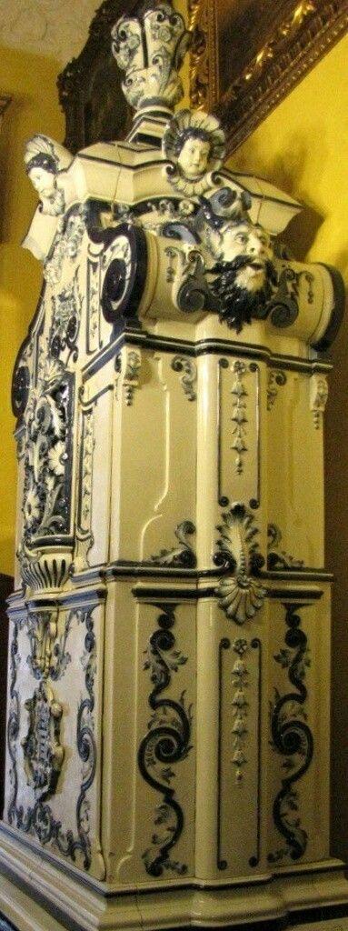 Kozlowka Palace antique tiled stove, kachelofen - Poland #kozlowkapalace#antique#tiledstove#tiledstoves#antiquetiledstove#kachelofen#poland