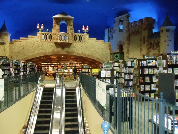 minneapolis mn gay book store