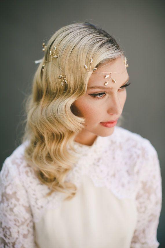 Braut haarband frisur  Die besten 25+ Bridal hair garlands Ideen auf Pinterest ...