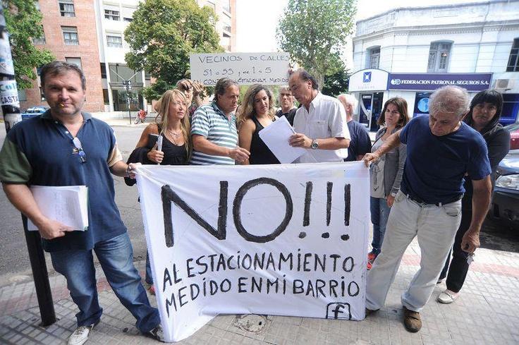 #Bocinazo contra el Estacionamiento Medido: Será el sábado 2 de marzo, a las 15, organizado por un grupo de vecinos platenses disconformes con la extensión de la zona dispuesta para el Estacionamiento Medido, que administra la Municipalidad de La Plata. El bocinazo tendrá lugar en Plaza Moreno.