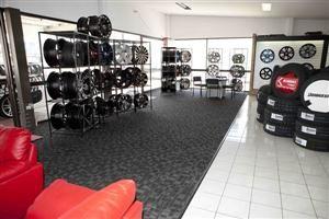 Apollo – MRF – Bridgestone Tyres Shop in Greater noida