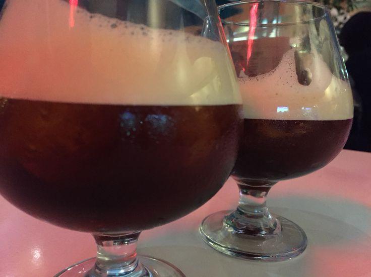 """Un par de carajillos en Salomé  Una bebida muy de moda últimamente... licor del 43 y café express en una roca de hielo.  Algunos le llaman """"Bombón""""...  Pídelo como carajillo"""