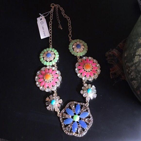 Stunning Susan Graver Floral Necklace, NWOT  Susan Graver Jewelry Necklaces