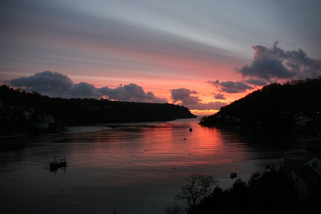 Dawn breaks, River Dart by Heritage Media TV, via Flickr  Dartmouthhttps://www.facebook.com/bythedart