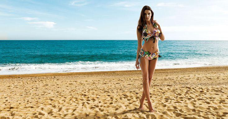 Med SOS, woman beach