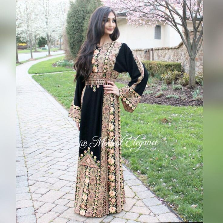 "134 Likes, 9 Comments - ModestElegance (@modest_elegance_) on Instagram: ""The beautiful @bellqees wearing Black & gold Thobe she looks amazing Mashallha!! Available in…"""