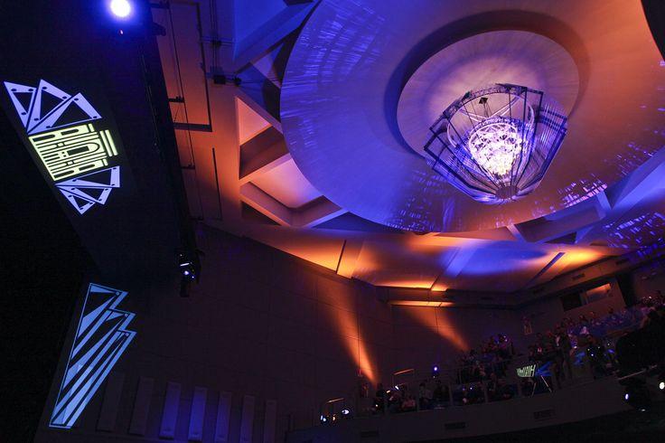 Lo chandelier per il Teatro dell'Arte della Triennale di Milano è disegnato da Jacopo Foggini e realizzato da Slamp. Il candeliere, 4 metri di diametro con cromie che sfumano tra i toni del bianco e del blu, fa parte dell'ampio progetto di restyling del Teatro dell'Arte che Silvana Annicchiarico, direttore del Triennale Design Museum, ha chiamato l'artista a realizzare.