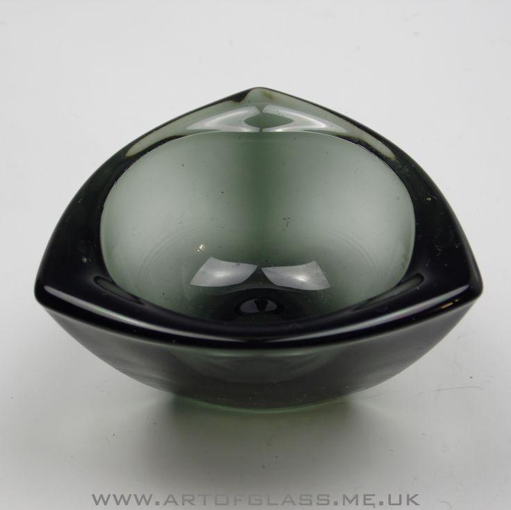 Nuutajarvi Notsjo smoke coloured Haransilma/Bullseye glass bowl by Kaj Franck