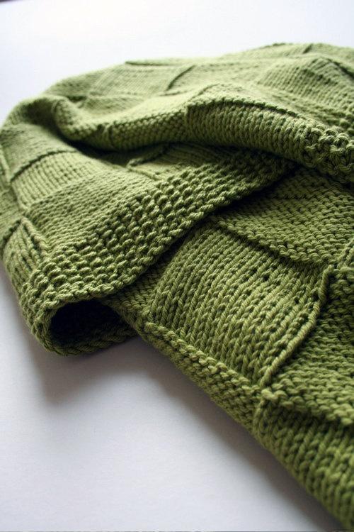 Basketweave knit baby blanket. Love Love Love!!! PINK or WHITE!? ;-) knitte...