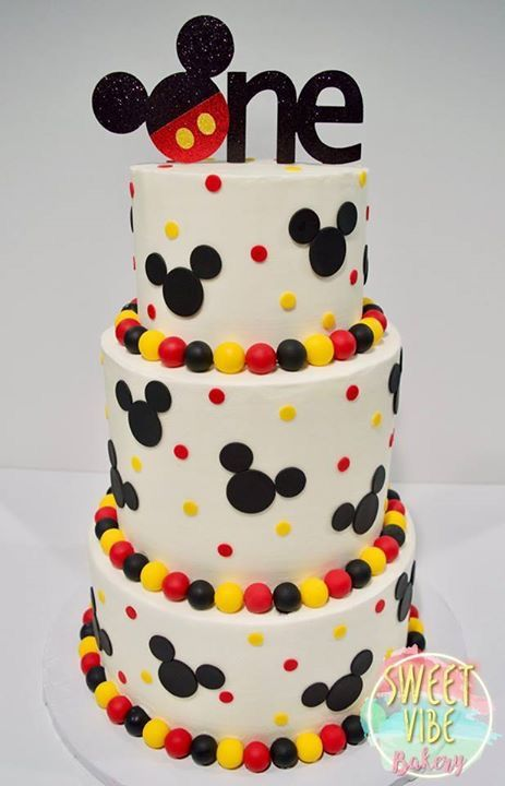 Mickey Mouse First Birthday cake #mickeymouse #birthdaycake #buttercreamcake