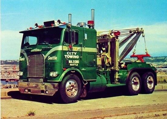 This style of cab is the best style ever made by Freightliner Trucks.