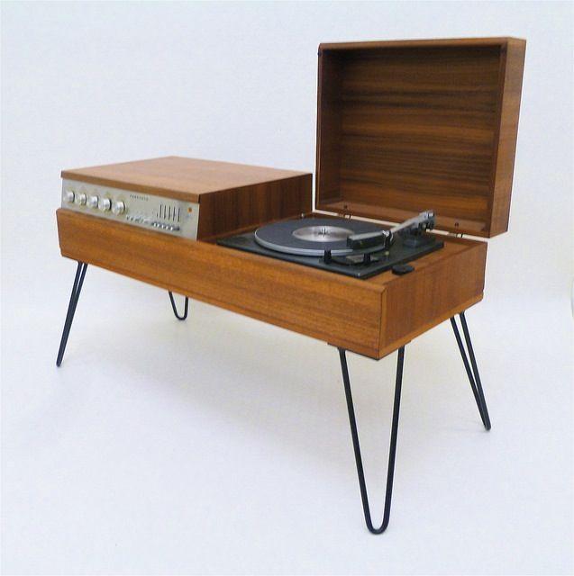 Image of VINTAGE FERGUSON RECORD PLAYER/RADIO & HAIRPIN LEGS