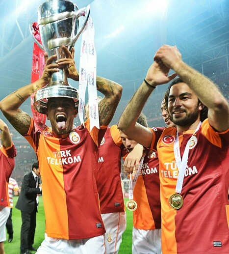 Selçuk Inan and Felipe Melo. Champion Galatasaray !