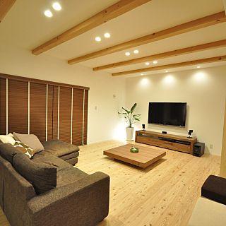 杉の床 照明 自然素材 壁掛けtv スピーカー 広松木工tvボード などの