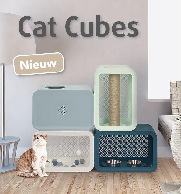 Beeztees heeft een geheel nieuw concept: Cat Cubes! Dit concept is het eerste modulaire systeem dat zowel voor jou als je kat aantrekkelijk is. Dit nieuwe concept is een mix and match serie bestaande uit vier verschillende modules die allen voorzien in de behoeften van jouw kat: slapen, eten en drinken, spelen en krabben. Iedere module is voorzien van gaten waardoor jouw kat alle vier de modules kan bereiken. De Cat Cubes kunnen op meerdere manieren worden neergezet, zodat je zelf kan kiezen…