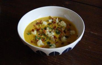 Crema cavolfiore e cavolo al curry verde