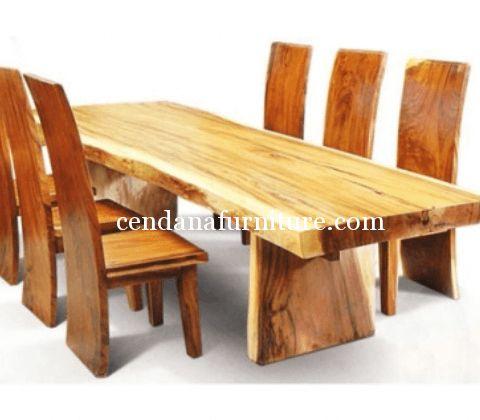 Jual Meja Makan Trembesi Mewah terbuat dari bahan baku kayu trembesi dengan design minimalis yg kami sempurnakan dg finishing melamin natutal yang indah.