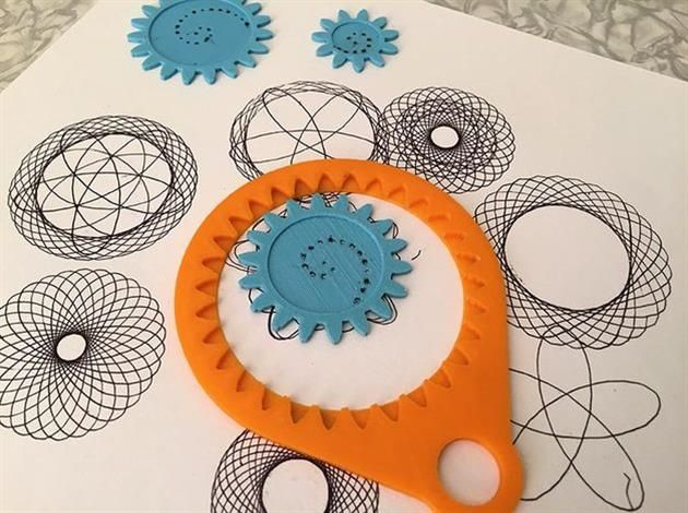 기하학적인 모양을 그릴 수 있는 아주 재미있는 그래프 토이에요~ https://www.youtube.com/watch?v=j8jZ3I_e5eM  *본 디자인은 원작자의 동의하에 번역/업로드 되었음을 알려드립니다.  Spirograph by 3Domas  This is a fun toy for drawing geometric figures https://www.youtube.com/watch?v=j8jZ3I_e5eM  http://www.thingiverse.com/thing:905849