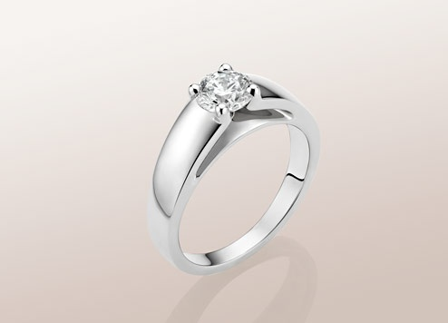 bulgari marryme solitaire ring in platinum with round brilliant cut diamond available from ct a bold and design for a