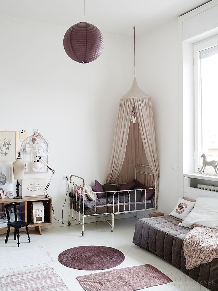 white kids room with grape, mauve, heather, blush, dusty pink accents