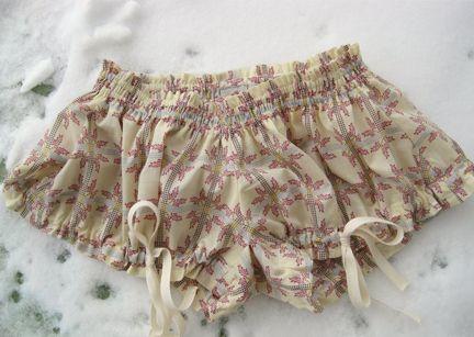 Free mini bloomers pattern from Colette!  Hello summer sleepwear...