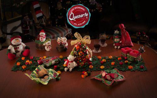 El arbolito de navidad es un tema muy popular. Aprende cómo hacer tu arbolito con los quesitos Quesarte en www.ideasquesarte.com