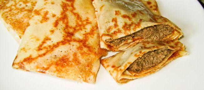 Блины и блинчики с печенью ======================== Соблазнительно сытные, вкусные, ароматные блинчики с начинкой из печени - говяжьей, свиной, куриной.