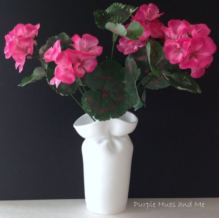 Use Hot Water And Rubber Bands To Create Unique Vases From Cups