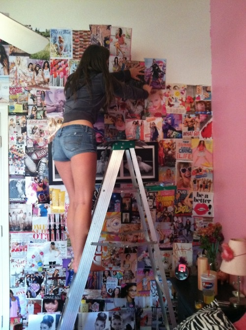 I will do it ALL of JUSTIN BIEBER!!!! BELIEBER ROOM!!!!